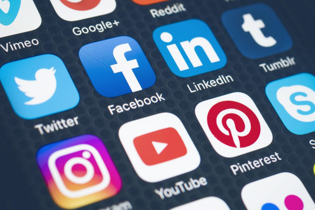 Why Social Media is Good for Business - CXGlobals - Blog